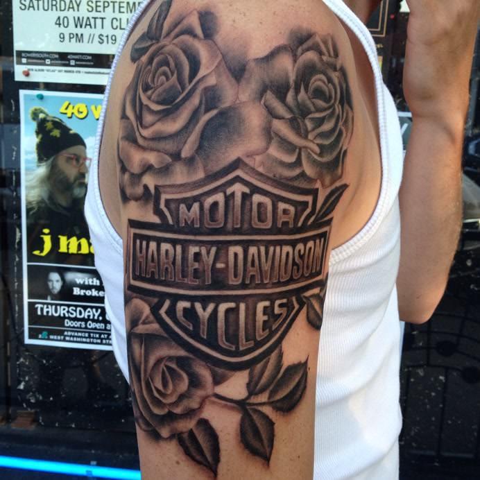 Татуировка Harley Davidson
