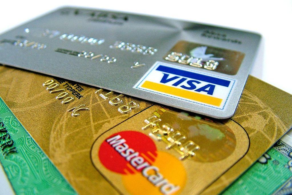 Снятие наличных с расчетного счета ИП — основания и способы