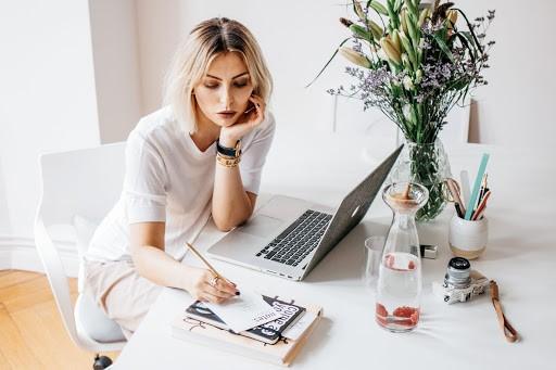 Как зарабатывают блоггеры — способы получения денег новичку