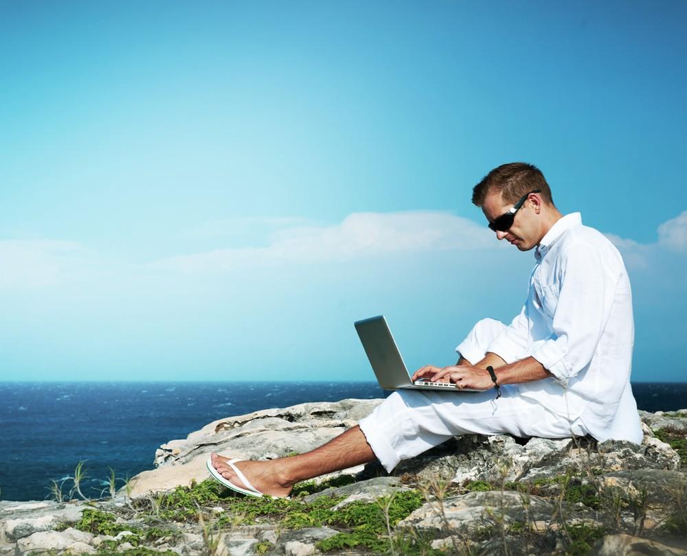 Заработок в интернете 2021 — топ способы с вложениями и без